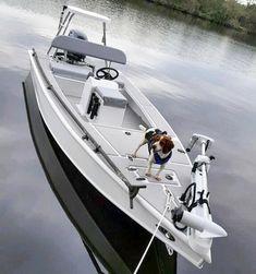Boat Dock Designs And Plans Small Fishing Boats, Small Boats, Mini Pontoon Boats, Shallow Water Boats, Ski Nautique, John Boats, Boat Crafts, Bay Boats, Wooden Boat Plans
