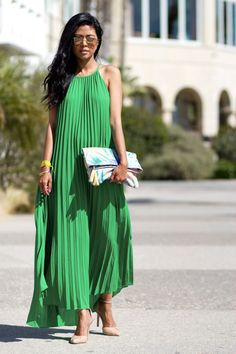 429d277e0cf What Shoes to Wear with a Maxi Dress