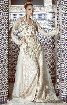 Lovely Ivory and Gold Kaftan Style Oriental, Oriental Dress, Oriental Fashion, Morrocan Dress, Moroccan Caftan, Moroccan Style, Abaya Style, Caftan Dress, I Dress