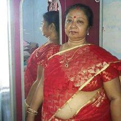 Beautiful Women Over 40, Beautiful Girl Indian, Most Beautiful Indian Actress, Beautiful Housewife, Aunty In Saree, Fat Women, Belly Dancers, Indian Actresses, Buddha Sculpture