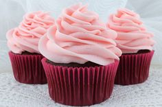 The Best Pink Lemonade Frosting . The Best Pink Lemonade Frosting - a creamy buttercream frosting flavored with pink lemonade that is perfect for a Spring or Homemade Buttercream Frosting, Canned Frosting, Lemon Frosting, Pink Frosting, Cupcake Frosting, Frosting Recipes, Cupcake Cakes, Dessert Recipes, Icing