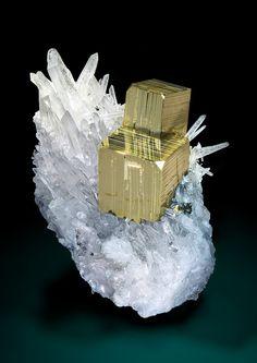 Pyrite on Quartz - Mundo Nuevo Mine, Mundo Nuevo, Huamachuco, Sanchez Carrion, La Libertad, Peru
