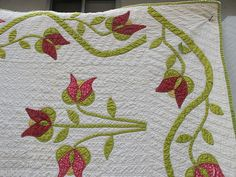 Detail, EARLY, EXCELLENT ANTIQUE APPLIQUE TULIP QUILT WITH BORDER, FINE QUILTING | eBay, auldstf