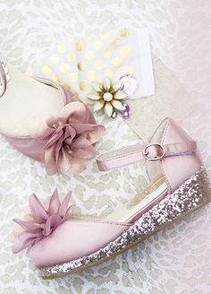 Glitter shoes? Yes please! Love these Joyfolie shoes for girls.