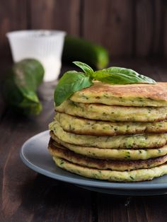 Pancakes ricotta e zucchine Italian Recipes, Vegan Recipes, Cooking Recipes, Breakfast Items, Breakfast Recipes, Omelette, Crepes, Muffins, Ricotta