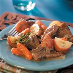 Melt-in-Your-Mouth Pot Roast Recipe- Recipes Slow-simmered and seasoned with rosemary, mustard and thyme, this tender and tasty pot roast is so easy to make and always a hit. Substitute burgundy or brandy plus a half cup of water for the broth Pot Roast Recipes, Meat Recipes, Slow Cooker Recipes, Crockpot Recipes, Dinner Recipes, Cooking Recipes, Healthy Recipes, Game Recipes, Cooking Tips