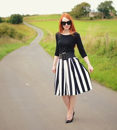 summer outfit with monochrome stripe skirt and black heels