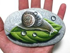 Wow Painting, Pebble Painting, Pebble Art, Stone Painting, Painted Rocks, Hand Painted, Art Pierre, Art And Hobby, Rock Painting Designs
