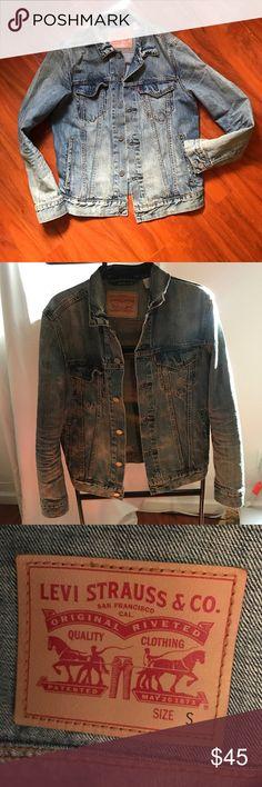 Like new Levi's jeans jacket! Size Small - unisex Levi's Jackets & Coats Jean Jackets