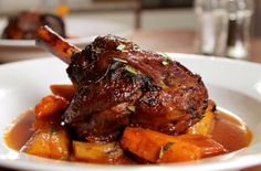 Slow cooked lamb shank (h)