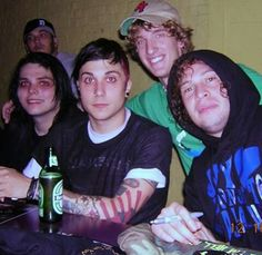 Look at Frank! <<< Ray's facial expression is top notch tho