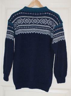 Ravelry: Nr 2 Mariusgenser by Unn Søiland Dale Norwegian Knitting, Big Knit Blanket, Big Knits, String Bag, Fair Isle Knitting, Knit Crochet, Men Sweater, Ravelry, Stockinette