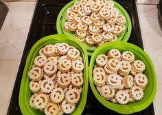 Mosolygós linzer | Alexandra Balla receptje - Cookpad receptek Pasta Salad, Breakfast, Ethnic Recipes, Food, Crab Pasta Salad, Hoods, Meals