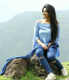 Lovely Girl Image, Cute Girl Photo, Girl Photo Poses, Girl Poses, Stylish Photo Pose, Stylish Girls Photos, Stylish Girl Pic, Beautiful Girl Indian, Beautiful Indian Actress