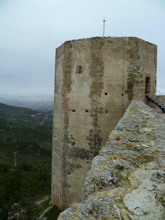 Os invitamos a pasear por el  Castillo de Claramunt.  #historia #turismo  http://www.rutasconhistoria.es/loc/castillo-de-claramunt