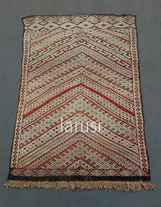 Vintage Berber kilim. www.larusi.com