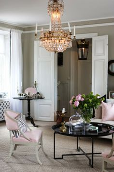 BEAUTIFULOSOPHY: How to work PINK into the home [INTERIORS]