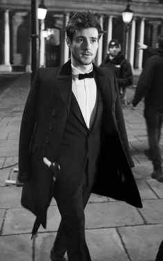Roo Panes for Burberry: formal suit for men, with dress shirt and bow tie #Style