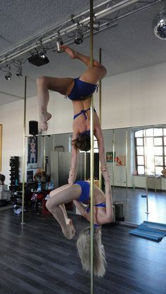 Pole Dancing Fitness (eye candy) - Circus Show Pole Fitness Moves, Pole Dance Moves, Pole Dancing Fitness, Yoga Dance, Yoga Fitness, Dance Fitness, Aerial Acrobatics, Aerial Silks, Pole Tricks