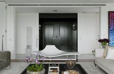 SophisticatedSão Paulo Apartment With Enriching Details Designed for an Art-Loving Couple - http://www.interiordesign2014.com/interior-design-ideas/sophisticated-sao-paulo-apartment-with-enriching-details-designed-for-an-art-loving-couple/