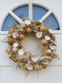 Easter Wreaths, Christmas Wreaths, Contemporary Flower Arrangements, Diy And Crafts, Arts And Crafts, Deco Nature, Easter Crafts, Grapevine Wreath, Holiday Decor