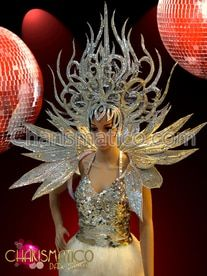 ༻✿༺ ❤️ ༻✿༺ Exotic flame styled silver glitter headdress and floral collar backpack ༻✿༺ ❤️ ༻✿༺ Do on smaller scale for princess costume Green Glitter, White Glitter, Feather Headdress, Techniques Couture, Black Feathers, Showgirls, Dance Wear, Exotic, Creations