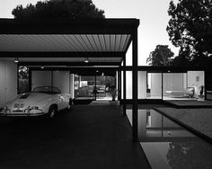 Pierre Koenig's Case Study House #21 (The Bailey House) - Los Angeles, Ca.    photo by Julius Shulman