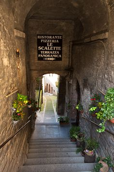 Todi in Umbria, Italy © Hans Couwenbergh Photography