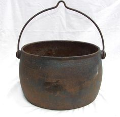 Romany Gypsy Cast Iron Camp Fire Three Leg Dutch Oven