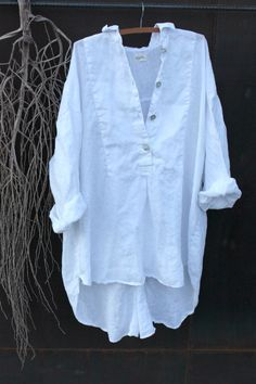 Classic White Linen Shirt by MegbyDesign on Etsy White Linen Shirt, Linen Shirt Dress, Linen Dresses, White Shirts, Linen Shirts, Boho Fashion, Fashion Outfits, Womens Fashion, Chemise Fashion