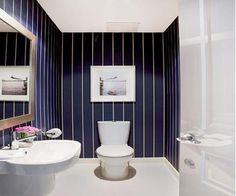 Полосатая ванная комната