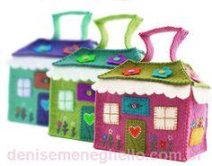 Casinhas, casinhas e mais casinhas...ai como sou apaixonada por elas!!! E olha que lindas que ficaram estas feitas com lã merino feltrad...
