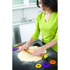 Joseph Joseph 20085 Adjustable Rolling Pin Removable Rings Beech Wood Classic for Baking Dough Pizza Pie Cookies, Multicolored Kitchen Hacks, Kitchen Tools, Kitchen Gadgets, Kitchen Dining, Kitchen Products, Kitchen Stuff, Baking Products, Kitchen Utensils, Kitchen Ideas