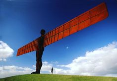 Severní Anglii stráží gigantická socha anděla, rozpětí křídel má jako jumbo jet– Novinky.cz