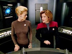 Seven of Nine and Janeway... Wonderful characters.