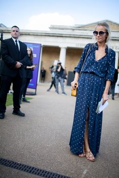They Are Wearing: London Fashion Week Spring 2016 Fashion News, Fashion Outfits, Boho Fashion Summer, Look Chic, Summer Dresses For Women, Comfortable Fashion, Rock, Fashion Pictures, London Fashion