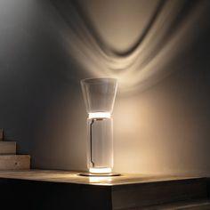 Noctambule est une splendide création de Konstantin Grcic pour la maison Flos qui reflète bien la passion du célèbre designer pour la technologie et le mélange des matériaux. #noctambule #Flos #luminaire #intérieur #lampe #design #cosy #valentedesign Tent Lighting, Lighting Design, Strip Led, Home Room Design, Light Fittings, Beautiful Lights, Transparent, Light Table, House Rooms