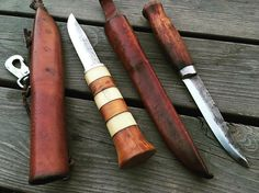These ladies with beautiful patina is now in the owners hands. He got one as a gift and the Moraknife have its story. He have bought the moraknife on a fishing trip since he forgot his knife at home. He loved it and become his favorite for many years. One time he lost it and even that he bought it for 10 sek he was so frustrating of it that he drove the hole way back and found it along the track. It's still his favorite and the patina is so beautiful. Im glad he gave me this opportunity to…