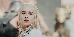 I saw your smile start to crack - Modern Eddard Stark, Sansa Stark, Daenerys Targaryen, Khaleesi, Jaime Lannister, Cersei Lannister, Gendry Waters, Emilia Clarke Hot, Game Of Throne Daenerys