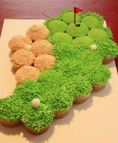Golf Themed Party Ideas for Father's Day — Patty Cakes Bakery has a different take on golf-themed cupcakes. She's put her cupcakes together to form a fairway, a sand trap, and a green. Golf Cupcakes, Cute Cupcakes, Cupcake Cookies, Birthday Cupcakes, Themed Cupcakes, Green Cupcakes, Delicious Cupcakes, Wedding Cupcakes, Hockey Cupcakes