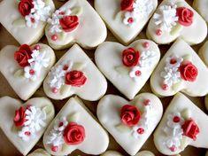 Domácí tvoření - Fotoalbum - Svatební cukroví - Svatební cukroví 2013 Breakfast Biscuits, Breakfast Cookies, One Tier Cake, Eid Cake, Heart Shaped Cookies, Oreo Cupcakes, Food Crafts, Mini Desserts, How Sweet Eats