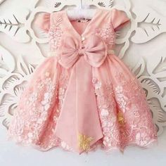 Bubble gum pink with flowers and butterflies. Frock Design, Baby Dress Design, Baby Girl Dress Patterns, Little Girl Dresses, Girls Dresses, Flower Girl Dresses, Pink Dress, Frocks For Girls, Kids Frocks