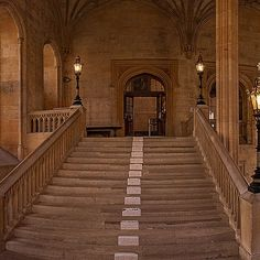 Christ Church College, Oxford University, as Hogwarts - Harry Potter Filming Location Gloucester Cathedral, Durham Cathedral, Harry Potter Magic, Harry Potter Films, Hogwarts, Harry Potter Filming Locations, Deathly Hallows Part 1, Literary Travel, Harry Potter Background