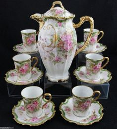 GORGEOUS Coronet Limoges Chocolate Pot Set - with large pink rose roses and gold scrolling Tea Pot Set, Pot Sets, Tea Sets Vintage, Vintage Teacups, Antique Dishes, China Tea Sets, Art Deco Glass, Teapots And Cups, Tea Service