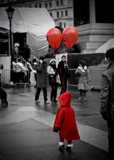/ Photo Little Red Riding Hood escaped the wolf on a helium balloon by… Black White Red, Red And Grey, Black And White Pictures, Splash Photography, Color Photography, Black And White Photography, Red Balloon, Balloons, Red Color