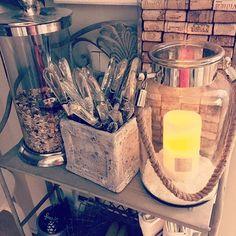I hope you all have a wonderful Friday! ✨ #candlelight #ledcandle #kitchendetails #kitchendecor #cozycorner #zarahome #rivieramaison #rivieramaisondetails #winecorks #diy #diytrivet #potterybarn #mypotterybarn #lovemypotterybarn #nannankeittiössä #nannantyyliin