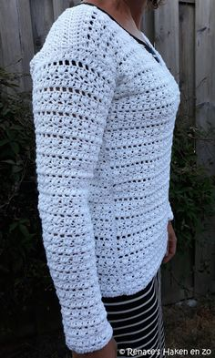 Gehaakte trui (met link naar gratis patroon) / crochet sweater (with link to free pattern) Crochet Jumper, Crochet Mittens, Crochet Shawl, Knit Crochet, Crochet Sweaters, Crochet Squares Afghan, Afghan Crochet Patterns, Knitting Patterns, Diy Clothes And Shoes