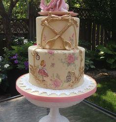 Pretty Vintage Alice in Wonderland Cake