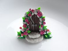 Hey, I found this really awesome Etsy listing at https://www.etsy.com/listing/195837123/little-fairy-door-with-pink-roses-and
