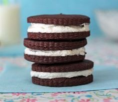 If you're a fan of the inside of Oreo cookies, you'll love this easy recipe for Homemade Double Stuf Oreos. Made with extra-thick vanilla filling, these copycat Oreos may just be better than the real thing. And the cookie isn't too shabby either. Oreo Cookie Recipes, Oreo Cookies, Sweets Recipes, Desserts, Double Stuffed Oreos, Cracker Barrel Recipes, Homemade Oreos, Copycat Recipes, Cookies Et Biscuits